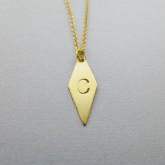 Collier de diamants initial embouti par main